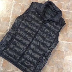 Uniqlo ultra light down vest size extra small